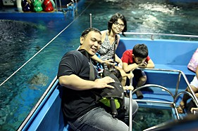 Glass Boat Ride - Manila Ocean Park